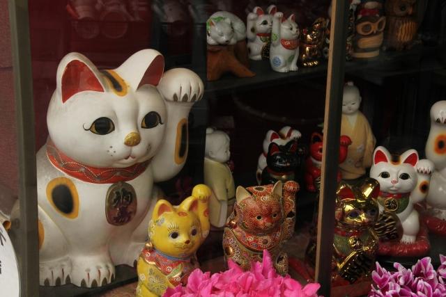 招き猫の置物としての起源は?