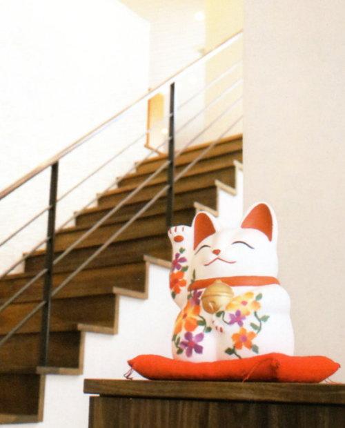 失敗しない招き猫の置き方 正しい置き方でスムーズに運気アップ。