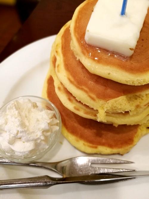 浅草の喫茶店でランチをお探しなら、隠れ家で食べる五段ホットケーキはいかが!?
