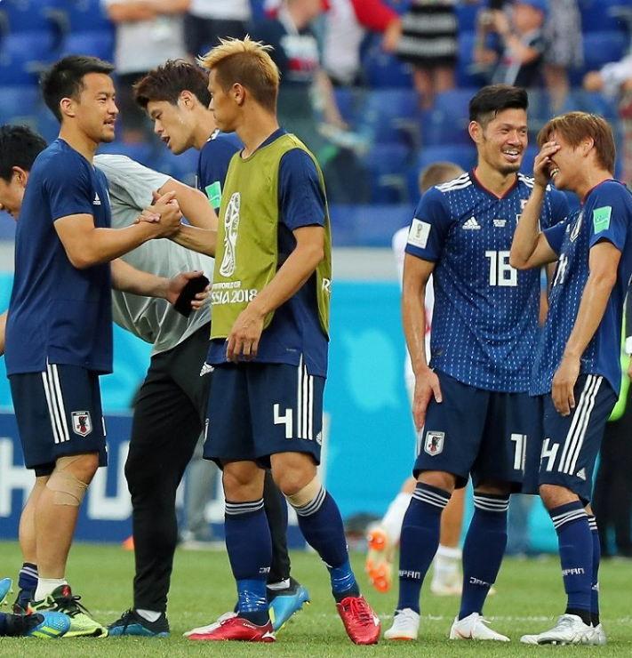 日本が決勝トーナメントに進出!その理由は西野監督はモッているから?!